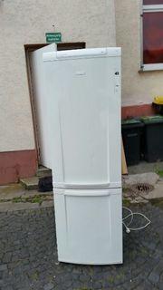 Kühlschrank mit Gefferseschern