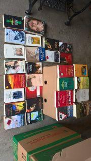 16 Bücherkisten