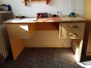 Schreibtisch mit Abschliesbaren Fach u