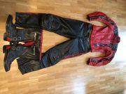 Komplette Motorradausrüstung Lederkombi rot schwarz