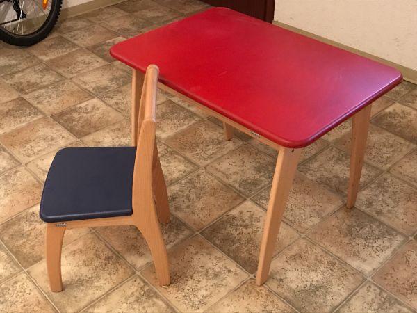 ikea kindertisch und stuhl latest gebraucht ikea mammut. Black Bedroom Furniture Sets. Home Design Ideas