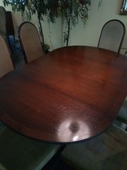 Ovalem Esstisch mit 6 Sthühlen