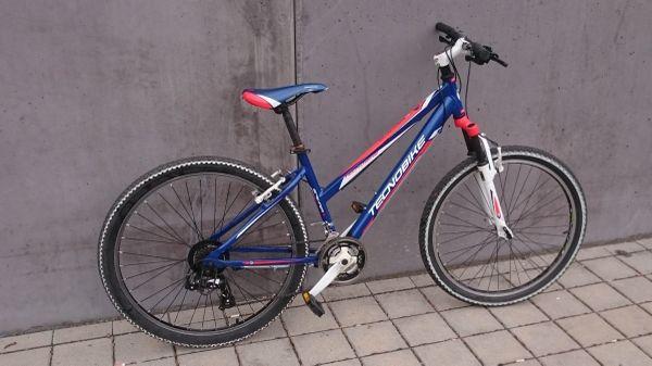 + + Technobike MTB Fahrrad+ Fahrbereit+ Kein ROST+ TOP+ + - Nürnberg Langwasser - Hallo,biete hier ein 26 Zoll MTB mit einer 21 Gang Schaltung von Technobike an.Das MTB ist Fahrbereit und befindet sich im guten Zustand,Reifen sind aufgepumpt, Bremse und Gänge funktionieren.Nur die eine Vorderbremse kann nachgezo - Nürnberg Langwasser