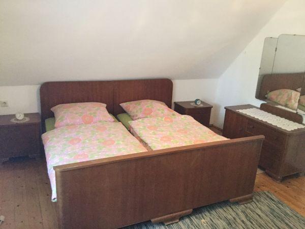 Komplettes Schlafzimmer mit Bett, Schrank, Nachttische ...