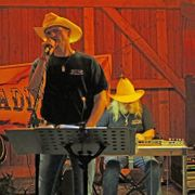 Country-Duo Saddle Up sucht Gitarrist