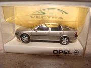 Opel Vectra Hatchback Silber - HERPA-Modell