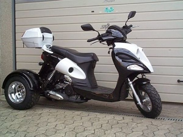 zhenhua trike roller 50cc mit differential farbe schwarz. Black Bedroom Furniture Sets. Home Design Ideas