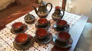 diverse Gläser und Keramikartikel