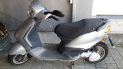 Moped Vespa Fly