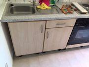 Küchenzeile inklusive Elektrogeräte