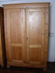 Antiker alter Holzverkeilter