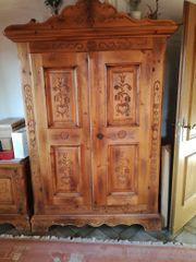 Antiker Schrank (Voglauer