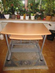 Computertisch mit sepatater Ablage für