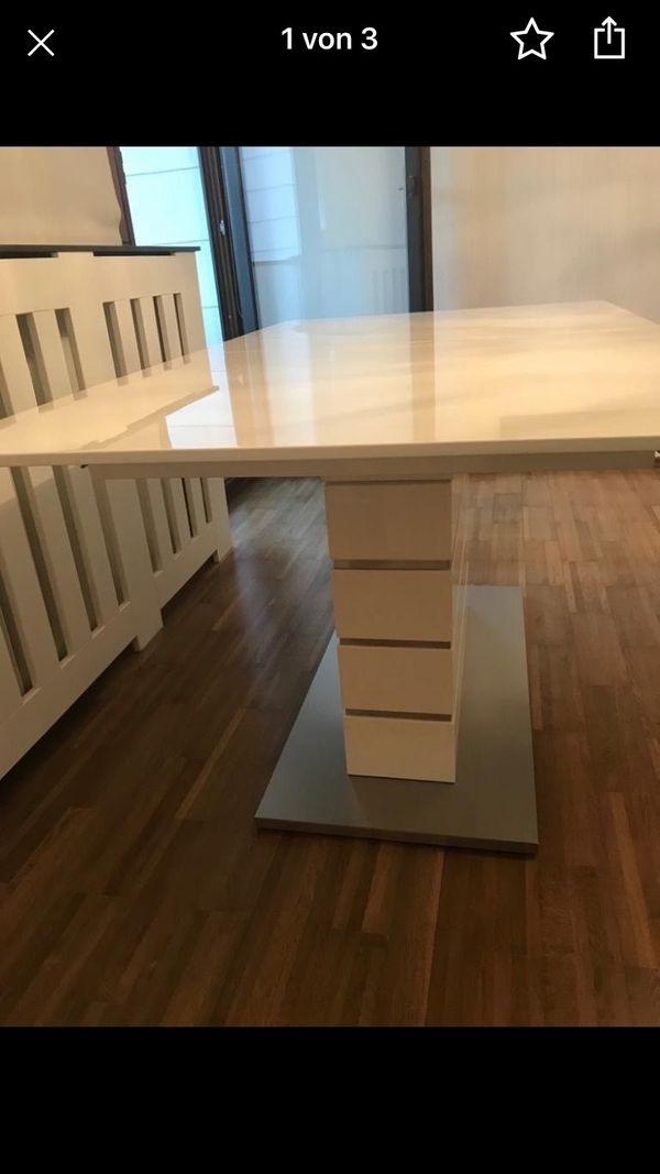 Ausziehbarer Tisch weiß