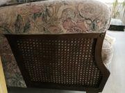 Couch mit zwei Sesseln