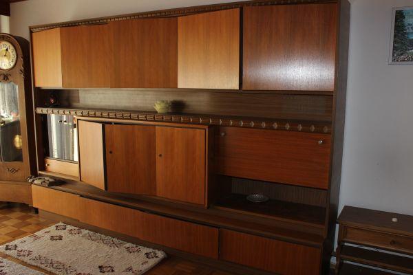 guterhaltener Wohnzimmerschrank Nussbaum in Pfinztal ...