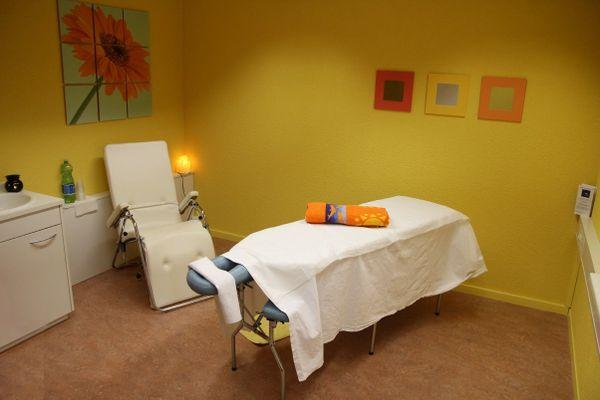 Massage, Wellness, Maniküre » Kosmetik und Schönheit