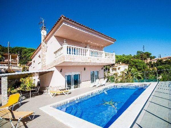 Ferienhaus Spanien Costa Brava Mit Privatem Pool In St Wendel