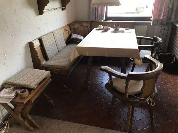 Landhausmöbel Stuttgart eckbank truhenbank mit 3 stühlen tisch beistelltische und regal in