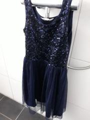 Kleid Gr 146 152
