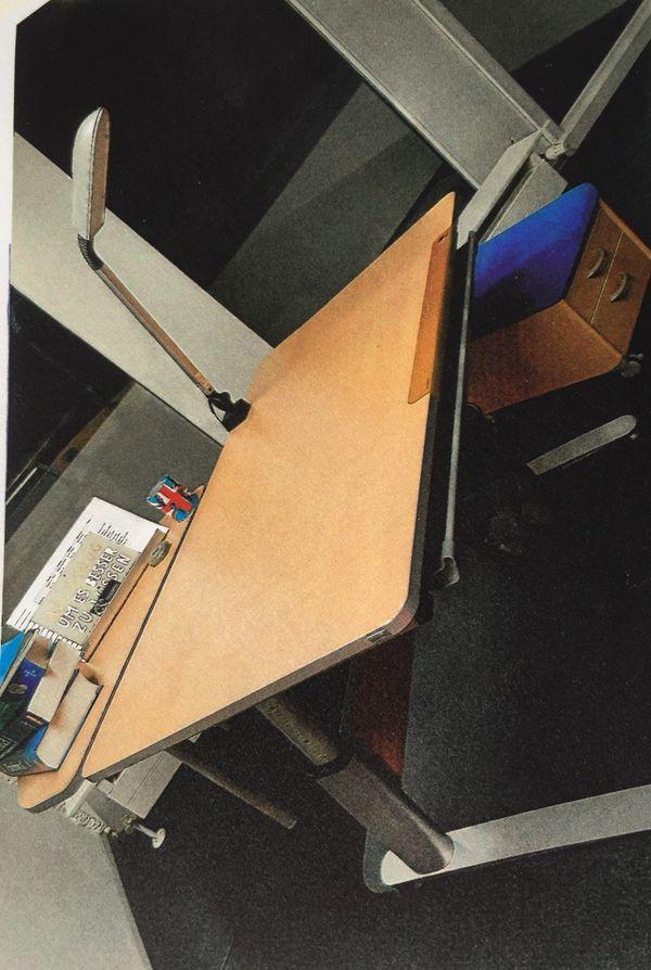 Computertisch kaufen computertisch gebraucht for Schwarzer computertisch
