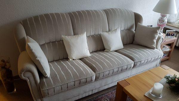 Polstergarnitur Beige Sofa 2 Sessel Und Hocker Gut Erhalten An