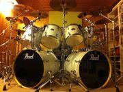 Schlagzeuger Drummer 50J sucht Melodische