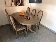 Robuster gut erhaltener Tisch inlusive