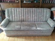 Dreisitzer Couch zu