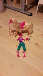 Barbie Pferd mit Reitkleidung für