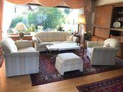 Große neuwertige Couchgarnitur