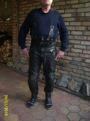 Motorrad- Lederbekleidung