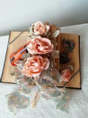 Dekoration Vintage Buch mit Rosen