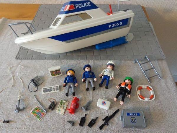 Spielzeug Playmobil Polizeiboot Polizeischiff - Hamburg Eidelstedt - Playmobil Polizeiboot, alles, was abgebildet ist, ist auch vorhanden, bespielt, 15,00 Euro, Versand ca. 5,00 - 6,00 Euro möglich, zeitnahe Antwort, rauch- und tierfreier Haushalt, Privatverkauf, Rücknahme ausgeschlossen ( 6613 - 661 - Hamburg Eidelstedt