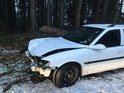 Unfall Auto für weitere Informationen