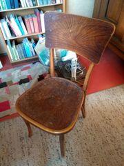 Antiker Holzstuhl mit