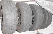 Winter Auto Reifen auf Stahlfelge