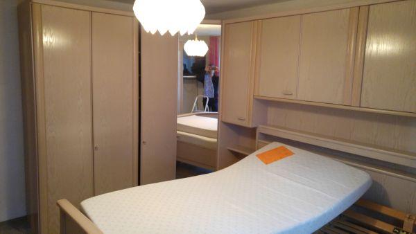 schlafzimmer komplett lattenrost matratze gebrauc gebraucht kaufen nur 4 st bis 60 g nstiger. Black Bedroom Furniture Sets. Home Design Ideas