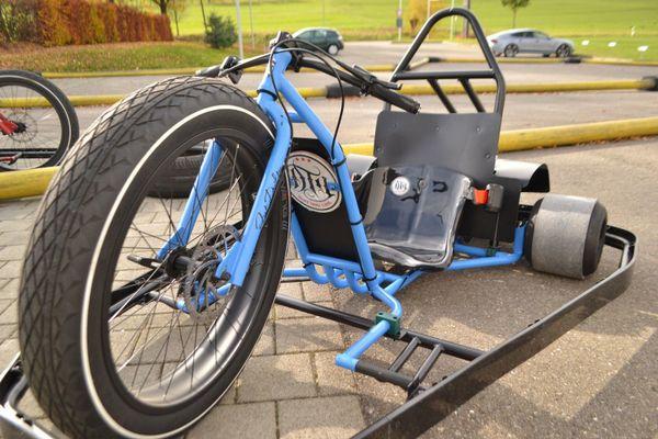 drift trike motorisiert f r leihbetrieb 6 5 ps driftkart. Black Bedroom Furniture Sets. Home Design Ideas