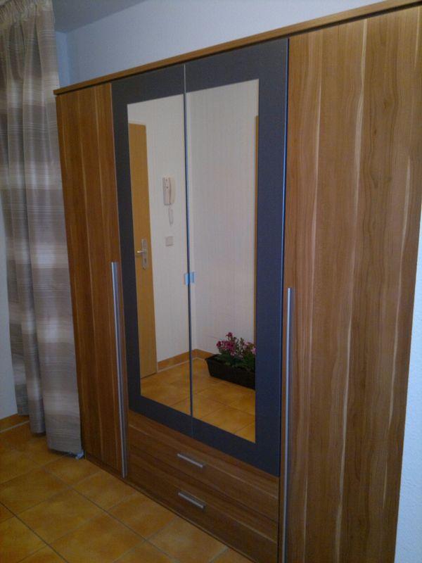 Schlafzimmermöbel Berlin kleiderschrank mittelbraun abzuholen in berlin tegel schränke