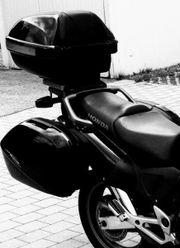 Motorradfahrerin oder Sozia