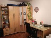 komplette Einrichtung WG-Zimmer Schreibtisch Schrank