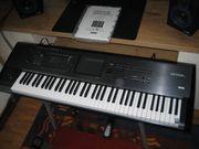 Korg Kronos X 73 Workstation