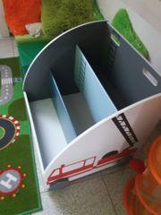 Kinder fahrbares Bücherregal
