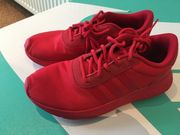 rote Adidas sneaker