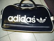 Adidas Sporttasche neuwertig in blauer