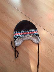 Mütze braun mit Muster