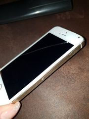iPhone 5s mit Display Schaden