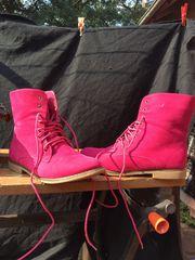 Hingucker-Trendboots in Pink