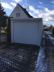Freistehende Garage mit Stromanschluss und